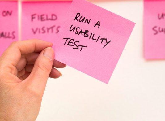 postit con scritto RUN A USABILITY TEST